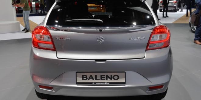suzuki baleno hatchback tampak belakang