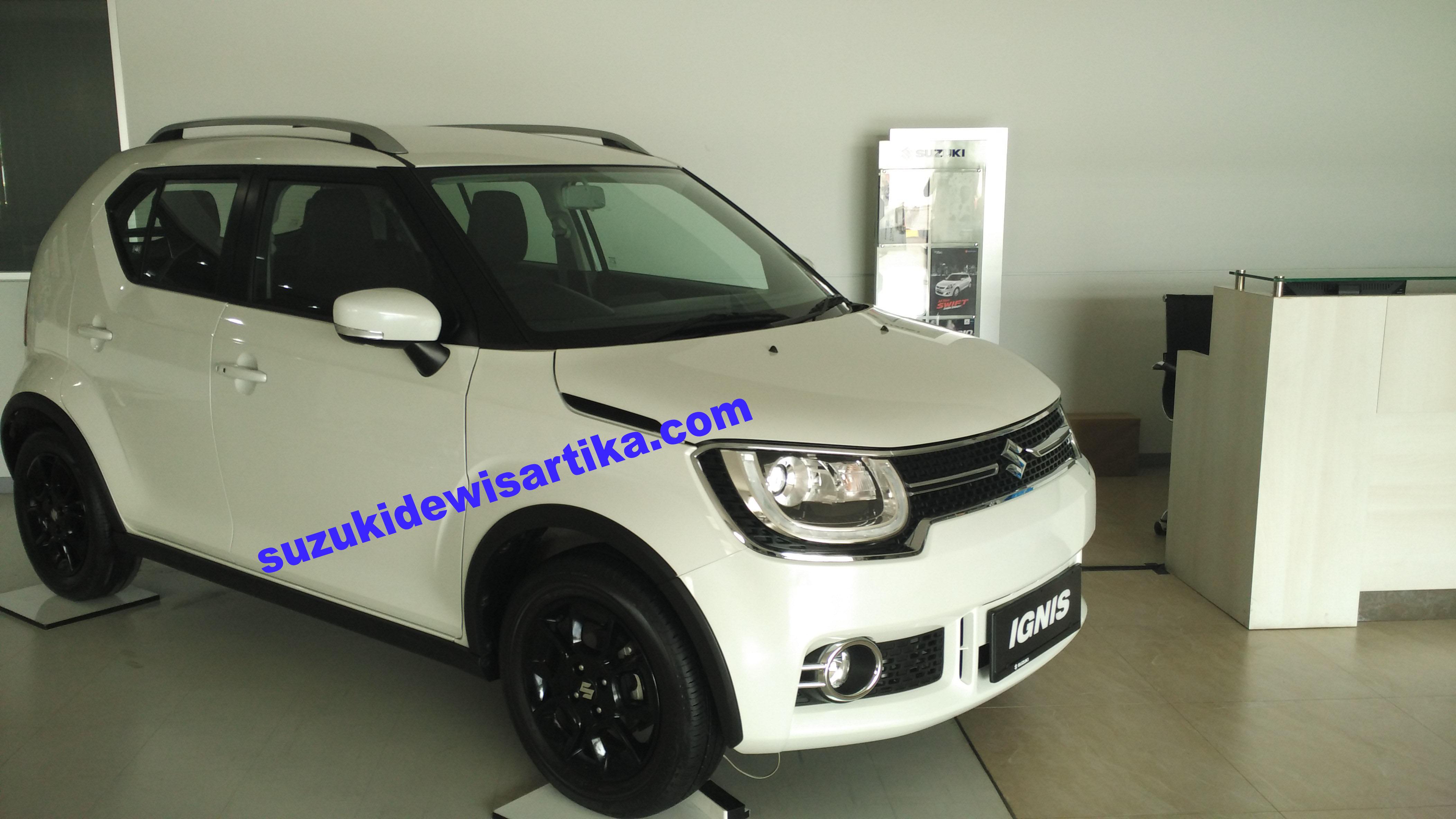 Suzuki Ignis Putih