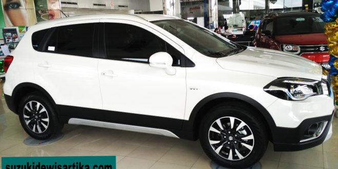 Suzuki SX4 S-Cross Baru Putih